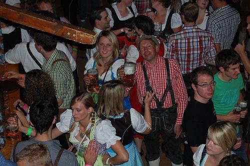 Beim Oktoberfest der Landjugend Merdingen 2012